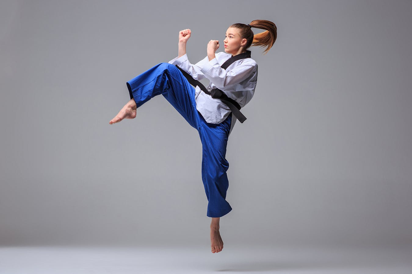 karate fu kung martial arts classes training belt near banners background practice doing